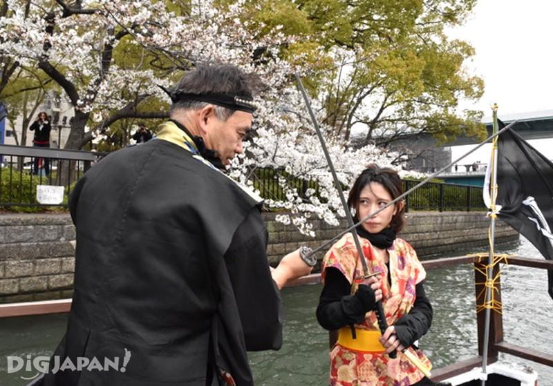 忍者櫻花遊覽船