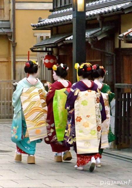Four Maiko in Gion, Kyoto