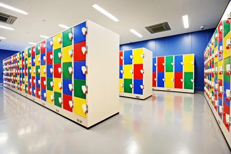 色彩繽紛的儲物櫃