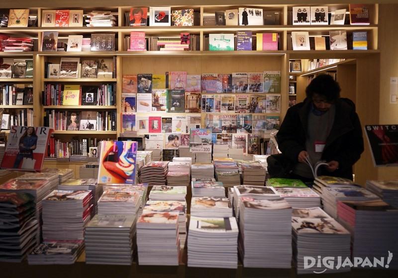 店內以藝術類書籍為主