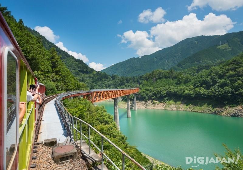 奧大井彩虹橋