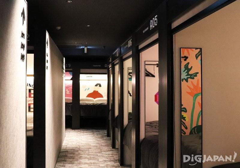 色彩活潑設計的房間