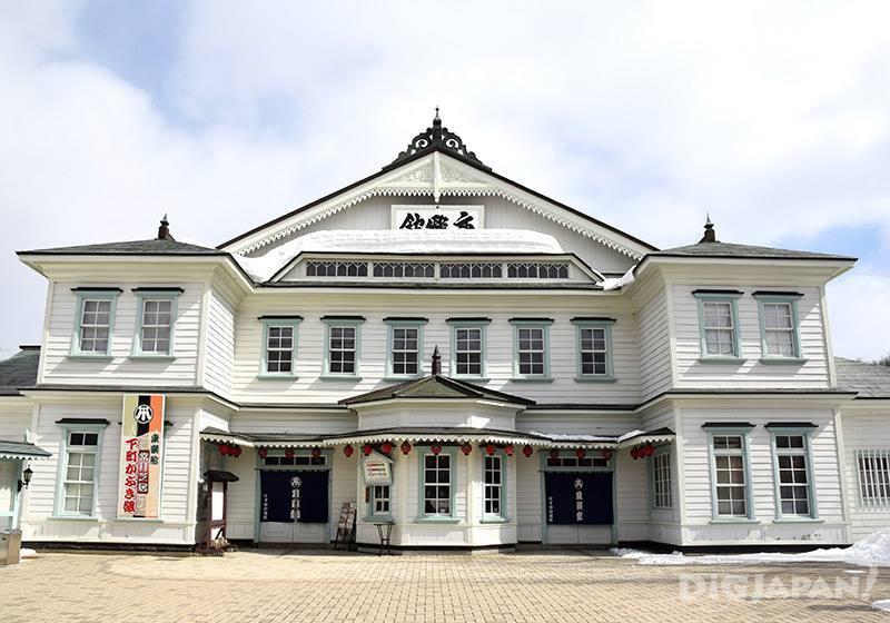 100年以上的劇場小屋-康樂館