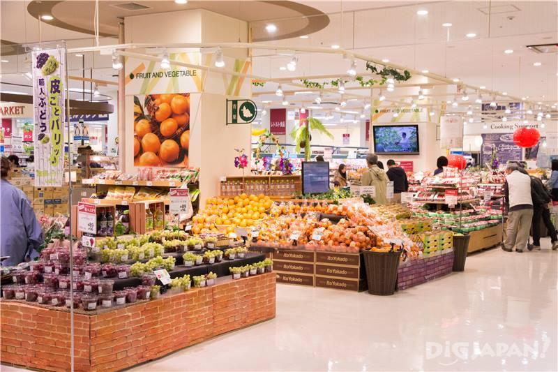 日本的零食及水果等救在這裡買!食品樓層