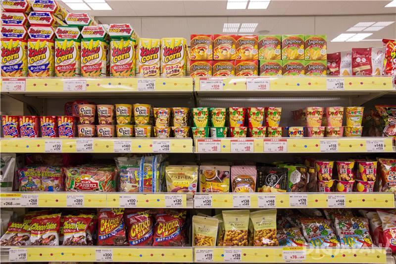 除了屬條以外,Jagabee或Chipstar等洋芋系列的商品架